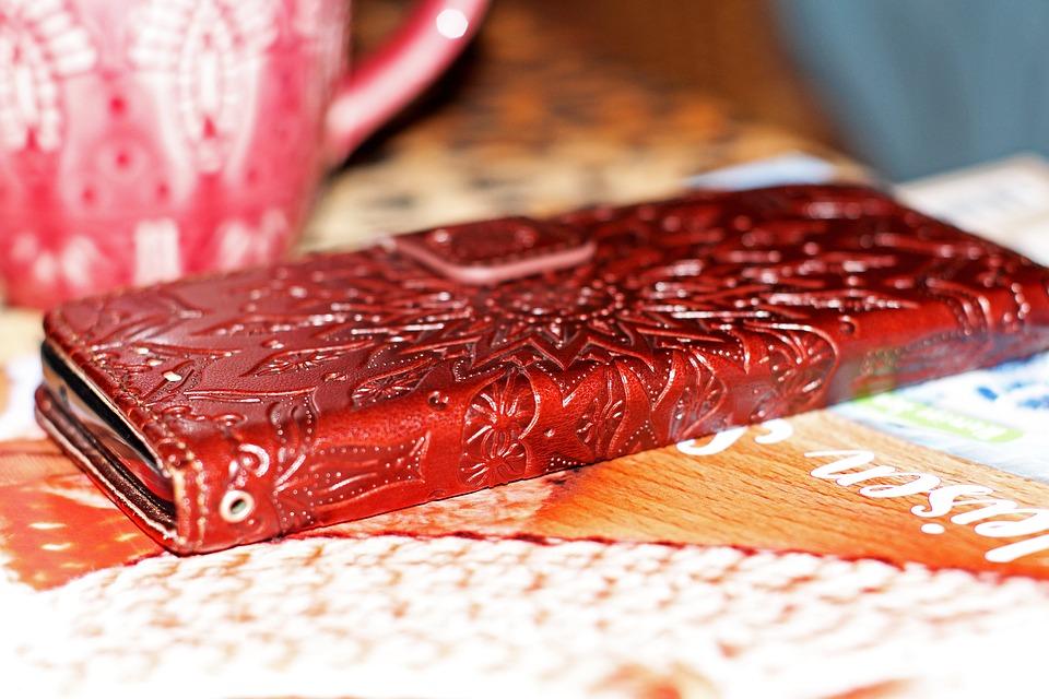 červený obal