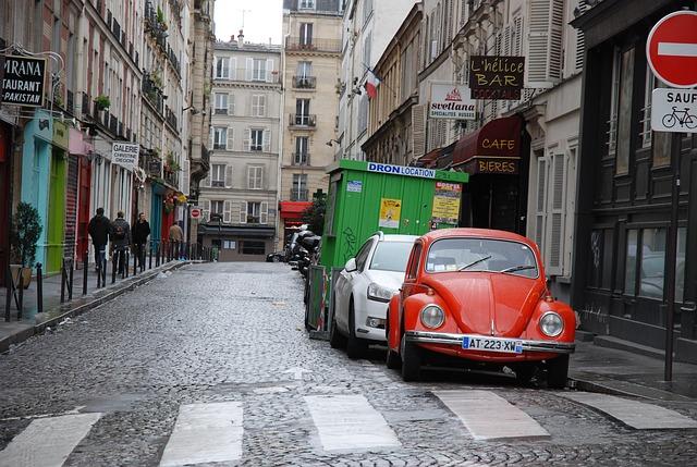 parkování v jednosměrné ulici