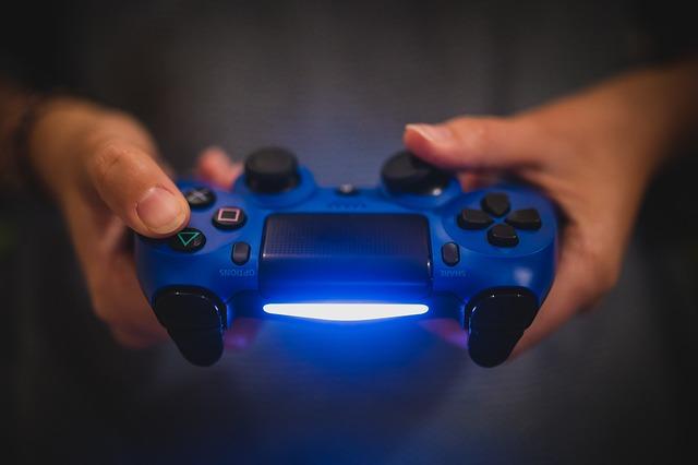 Playstation 4 ovladač