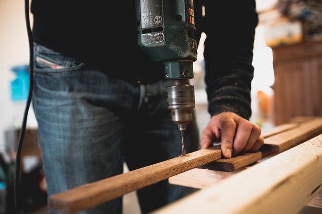 práce se dřevem, vrtačka